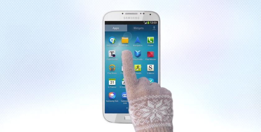 Samsung Galaxy S IV gloves